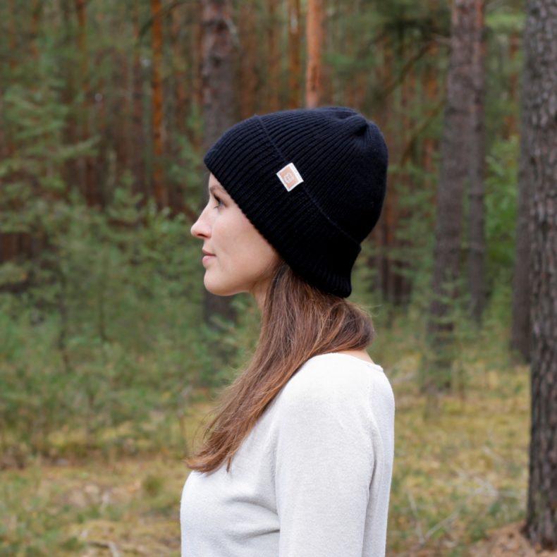 strickmode handmade beanie muetze alpaka wolle schwarz fellblick