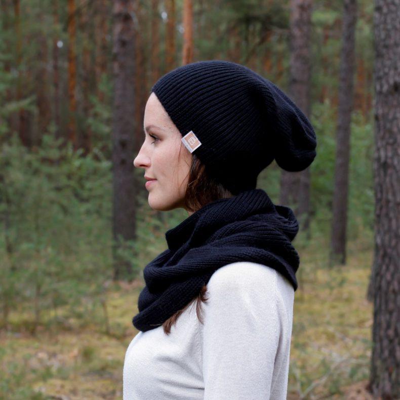Strickmode handmade beanie muetze loop schal alpaka wolle schwarz fellblick