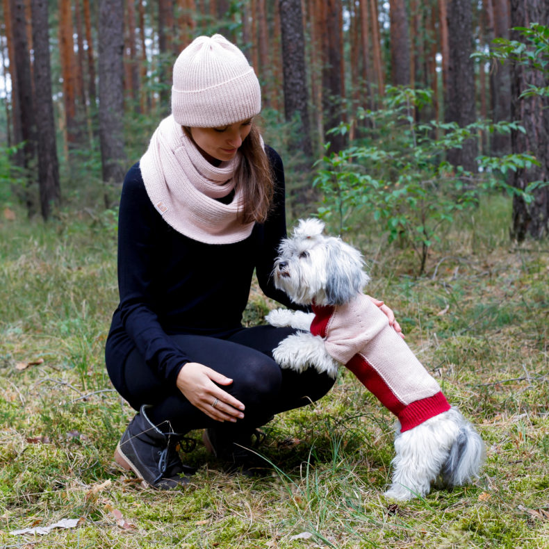 strickmode handmade partnerlook hundepullover beanie loop rosa rot fellblick