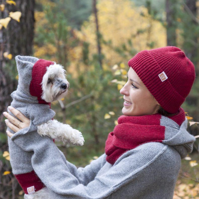 partnerlook-hoodie-hundepullover-beanie-loop-alpaka-wolle-dunkelgrau-rot-fellblick-8